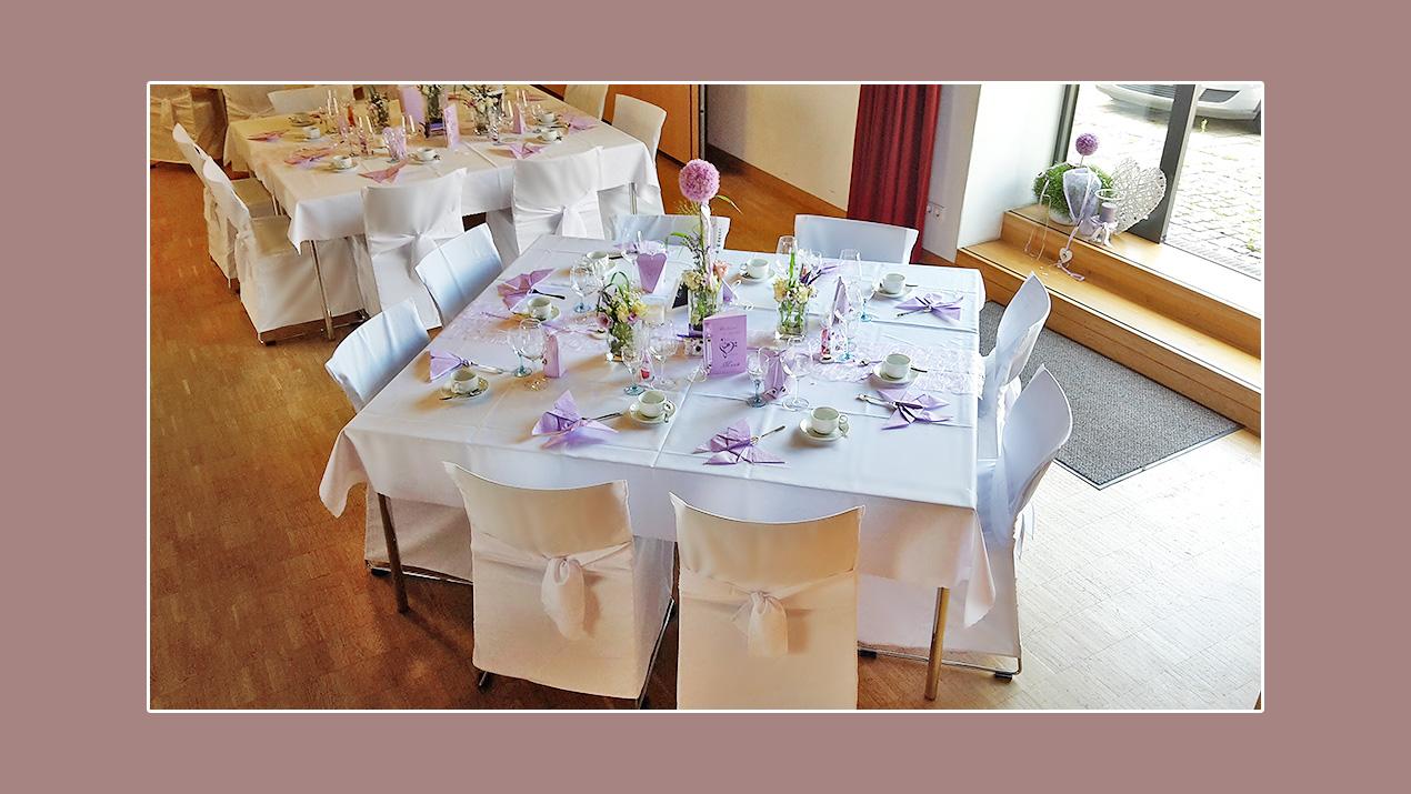 tischdeko hochzeit frühling in lila flieder weiß